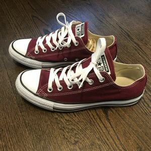 Converse All Star Low Rise Sneaker Men's 7/Women 9